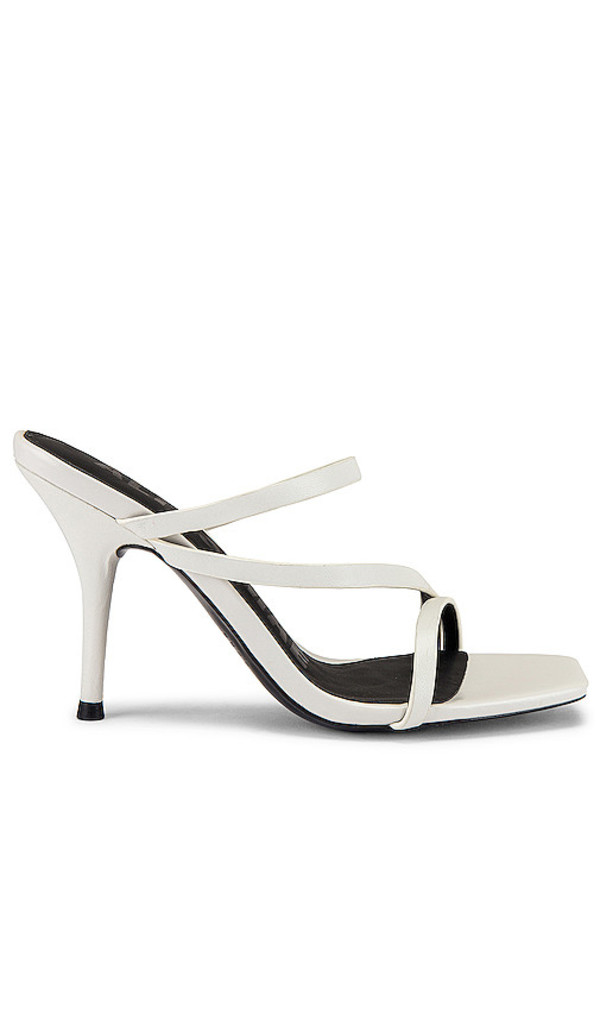 Alias Mae Mollie Heel in White in ivory