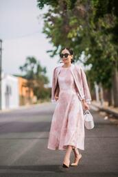 hallie daily,blogger,bag,jewels,shoes,pink dress,pumps,blazer,spring outfits