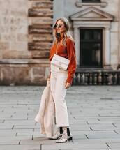 sweater,ankle boots,high waisted pants,white pants,wide-leg pants,shearling jacket,white bag