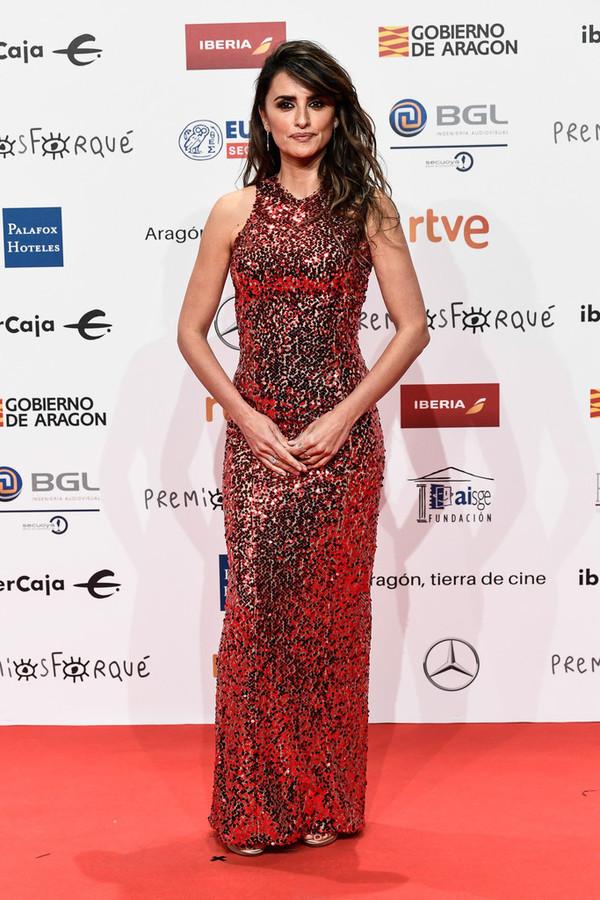 dress penelope cruz celebrity sequins sequin dress sequin prom dress red carpet dress gold