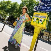 dress,maxi dress,floral dress,sleeveless dress,sneakers,summer outfits,yellow bag
