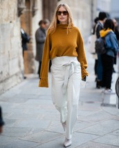 sweater,turtleneck sweater,white pants,high waisted pants,straight pants,white boots