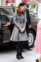 shoes,coat,kate middleton,celebrity,pumps,black