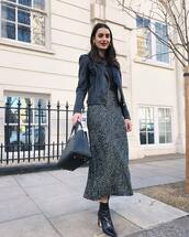skirt,midi skirt,leopard print,black boots,ankle boots,black bag,black leather jacket,black top
