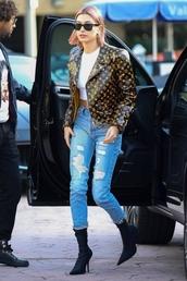 jacket,denim,jeans,hailey baldwin,model off-duty,celebrity,fall outfits,boots