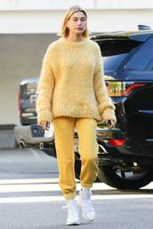 pants,sweater,sweatpants,hailey baldwin,model off-duty,fall sweater,fall outfits,streetstyle,casual