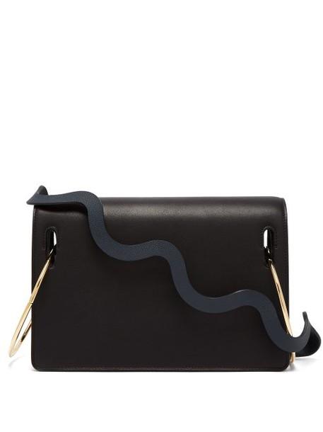 Roksanda - Dora Wave Strap Leather Shoulder Bag - Womens - Black