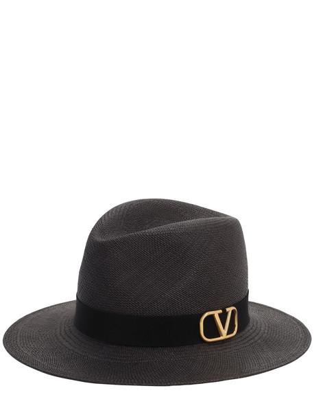 VALENTINO GARAVANI Go Logo Hat in black