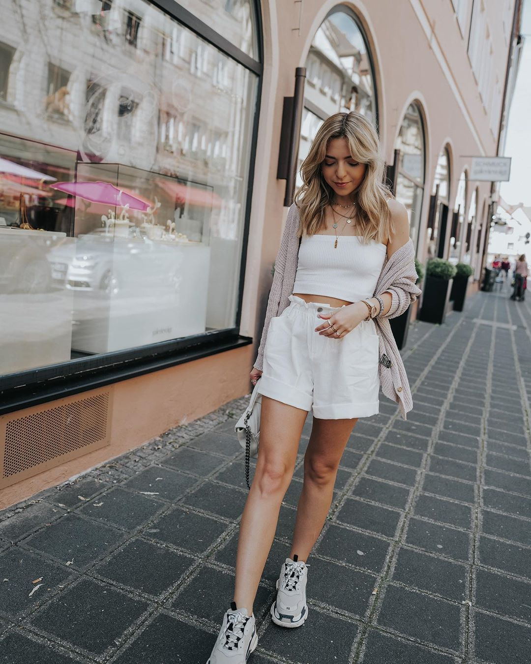 shorts white shorts High waisted shorts sneakers white top crop tops cardigan white bag