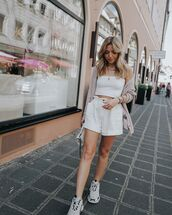 shorts,white shorts,High waisted shorts,sneakers,white top,crop tops,cardigan,white bag