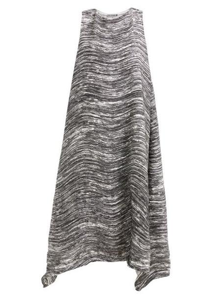 Issey Miyake - Wave Pleated Asymmetric Hem Midi Dress - Womens - Black White