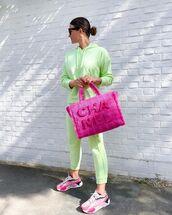 sweater,hoodie,joggers,sneakers,pink bag