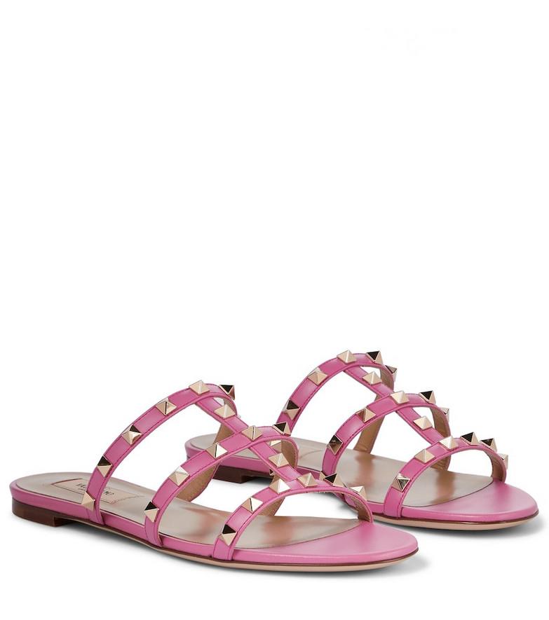 Valentino Garavani Rockstud leather sandals in pink