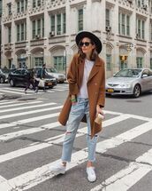 coat,brown coat,double breasted,white sneakers,trainers,boyfriend jeans,ripped jeans,white t-shirt,felt hat,streetstyle