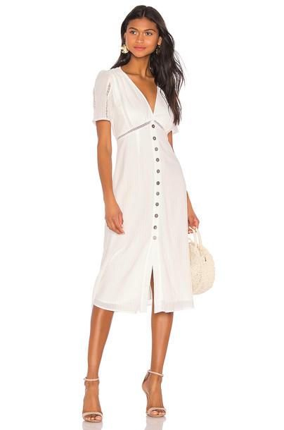 HEARTLOOM Carson Dress in white