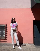 top,white t-shirt,white jeans,cropped jeans,white sneakers,gucci bag