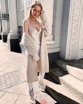 top,tank top,ankle boots,white jeans,skinny jeans,long coat