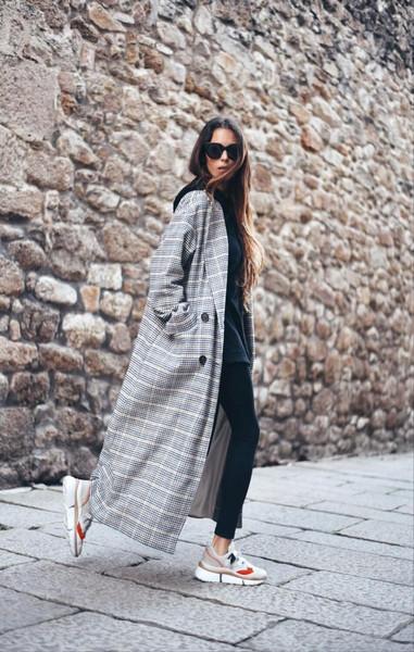 stella wants to die blogger coat shoes sunglasses sweater sneakers chloe long coat double breasted topshop plaid black leggings hoodie