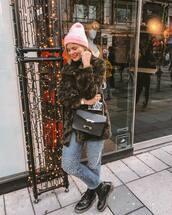 coat,faux fur coat,DrMartens,straight jeans,pearl,black bag,shoulder bag,knit,hat