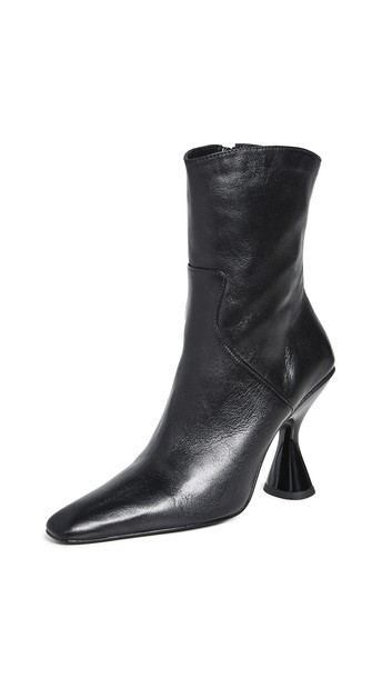 Dorateymur Stainless Boots in black