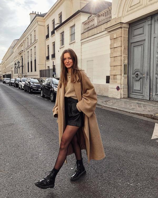 shorts high waisted black shorts leather shorts black boots tights zara long coat oversized coat h&m knitted sweater