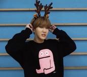 sweater,black,pink,K-pop,korean fashion,changbin