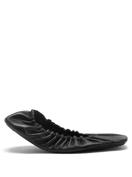 Balenciaga - Tug Ruched Leather Ballet Flats - Womens - Black