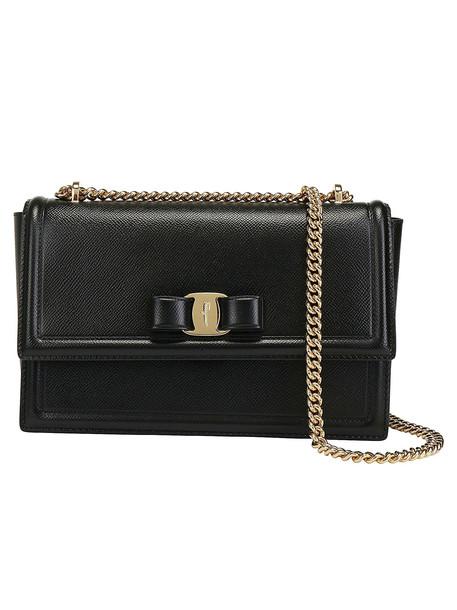 Salvatore Ferragamo Ginny Leather Shoulder Bag in nero
