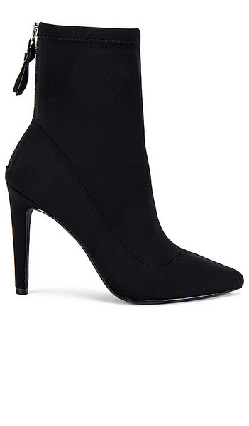 KENDALL + KYLIE KENDALL + KYLIE Orion Bootie in Black