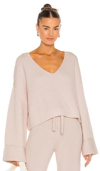 Weekend Stories Kiera V Neck Sweater in Blush in peach