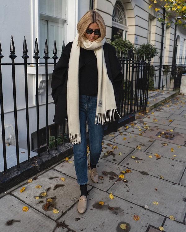 jeans skinny jeans high waisted jeans shoes socks scarf black sweater black jacket