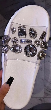 shoes,white rhinestone clear,white,jewels,clear,pretty,fashion,impression leaving flip flops,bling,summer,girly