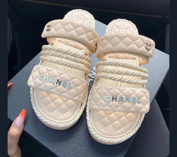 shoes chanel pink gold