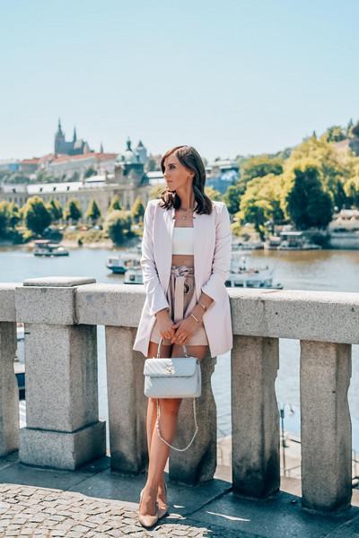vogue haus blogger shorts jacket bag chanel bag blazer High waisted shorts