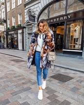 coat,faux fur coat,multicolor,white sneakers,cropped jeans,skinny jeans,crossbody bag,white sweater,hoodie