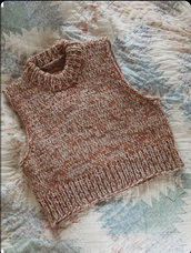 tank top,knitwear,knitted top,knitted sweater,vest