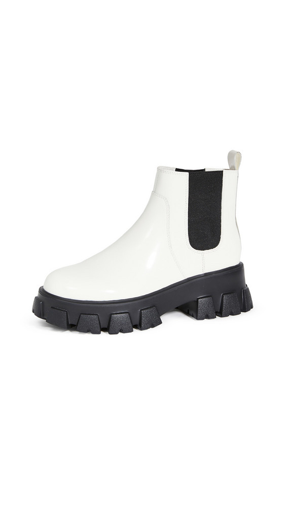 Villa Rouge Packer Chelsea Boots in white