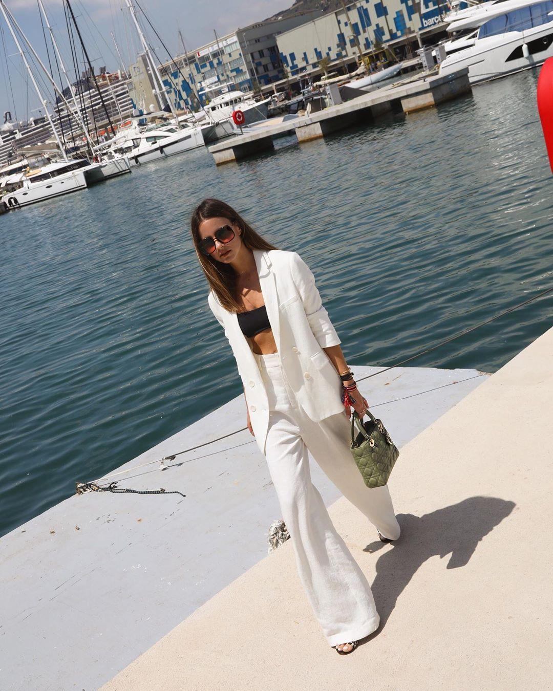pants white pants wide-leg pants high waisted pants white blazer handbag black top crop tops