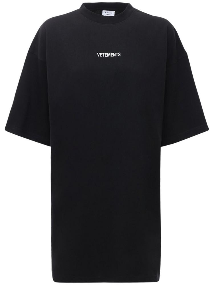 VETEMENTS Logo Patch Cotton Jersey T-shirt in black
