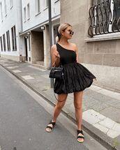top,one shoulder,black top,black skirt,mini skirt,flat sandals,black bag
