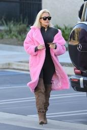 coat,fur,fur coat,faux fur,faux fur coat,pink,khloe kardashian,streetstyle,boots,leggings,kardashians