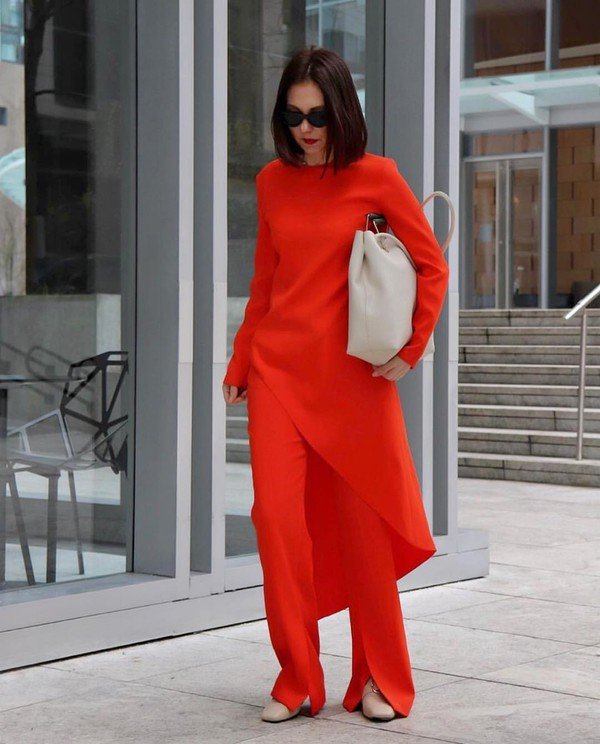 bag maxi bag red pants asymmetrical red top slit pants shoes