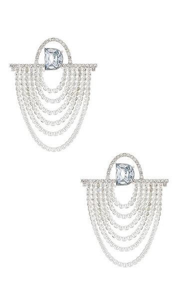 DUNDAS x REVOLVE D Chandelier Earring in Metallic Silver
