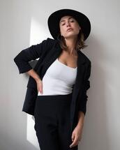 top,pants,hat
