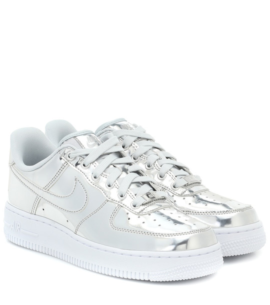 Nike Air Force 1 leather sneakers in silver