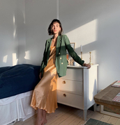 jacket,army green blazer,blazer,white buttons,relaxed blazer