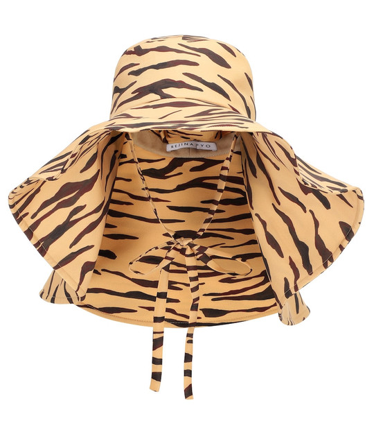 Rejina Pyo Exclusive to Mytheresa – Daisy tiger-print hat in beige