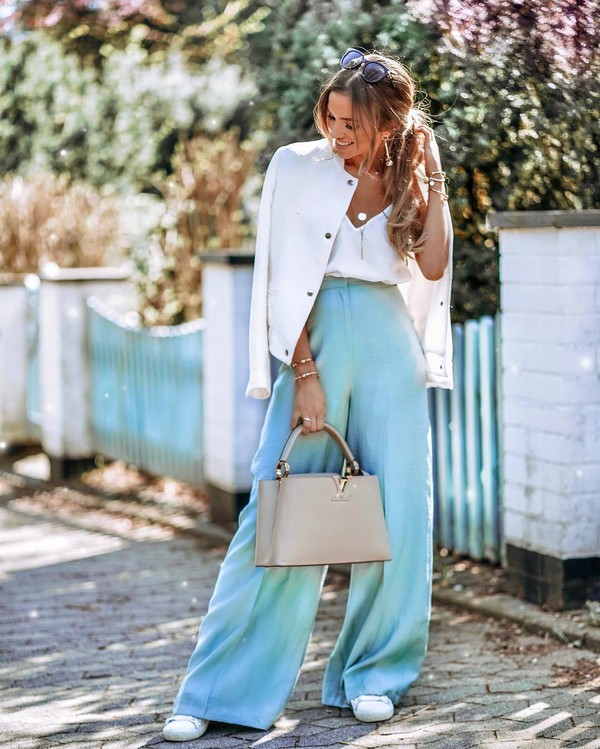 pants wide-leg pants blue pants high waisted pants white sneakers bag white jacket white top