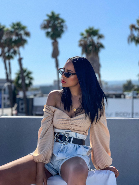 stuffshelikes blogger shorts pants belt top sunglasses jewels High waisted shorts off the shoulder top