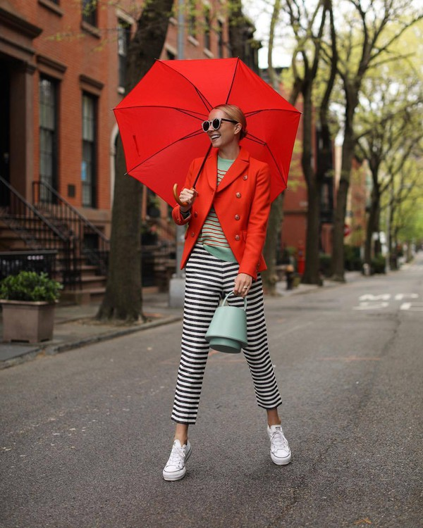 pants striped pants capri pants black and white converse bucket bag blazer striped sweater umbrella